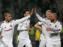 Spor yazarları Beşiktaş'ın Arnavutluk temsilcisi Skenderbeu'yu 2-0 yendiği karşılaşmayı değerlendirdi.