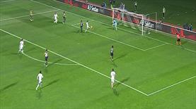 Castro inanılmaz golü kaçırdı!
