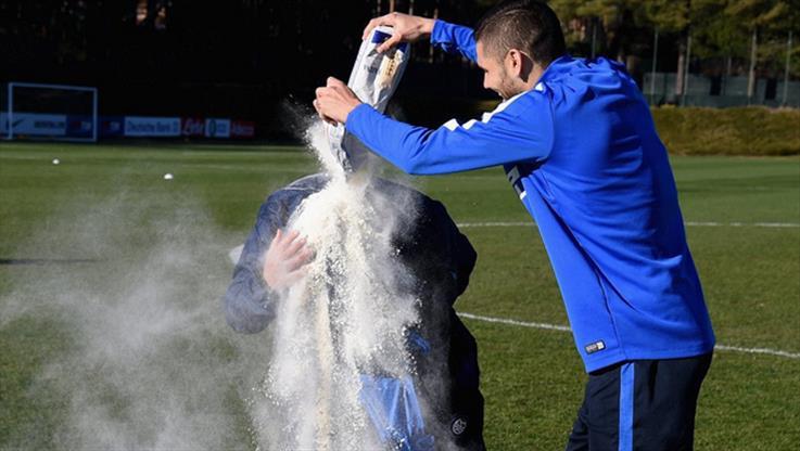 Mancini'yi doğduna pişman ettiler!