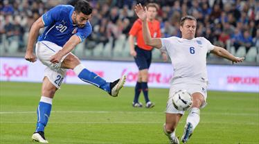 İtalya'yı müthiş gol durdurdu! (ÖZET)