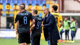 Mancini serbest düşüşte
