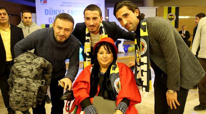 Hasan Ali ve Uygar engelli gençlerle buluştu