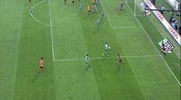 Galatasaray'ın penaltı beklediği an!