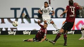Frankfurt Bundesliga'da kaldı